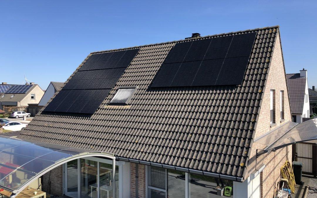 Installatie van thuisbatterijen, noodstroom en 20 zonnepanelen in Desselgem